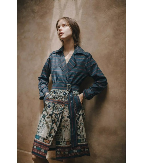 TERBUAI Ratu Whilhemina Trench Coat